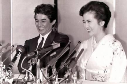 古手川祐子と田中健の結婚