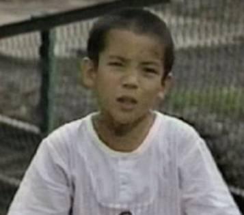 伊嵜充則の子役時代の画像